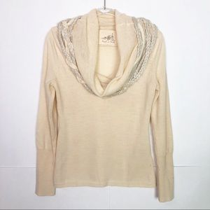 GUC Angel Of The North Ivory Iced Garland sweater